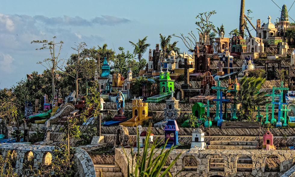 vista de las tumbas en puente al paraiso